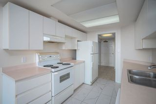 """Photo 10: 903 10899 UNIVERSITY Drive in Surrey: Whalley Condo for sale in """"THE OBSERVATORY"""" (North Surrey)  : MLS®# R2623756"""