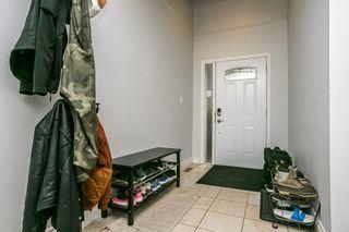 Photo 3: 3054 108 Street in Edmonton: Zone 16 Townhouse for sale : MLS®# E4228710