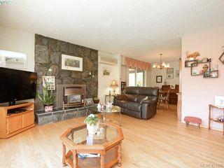 Photo 4: 982 Glenview Pl in VICTORIA: La Glen Lake House for sale (Langford)  : MLS®# 814984
