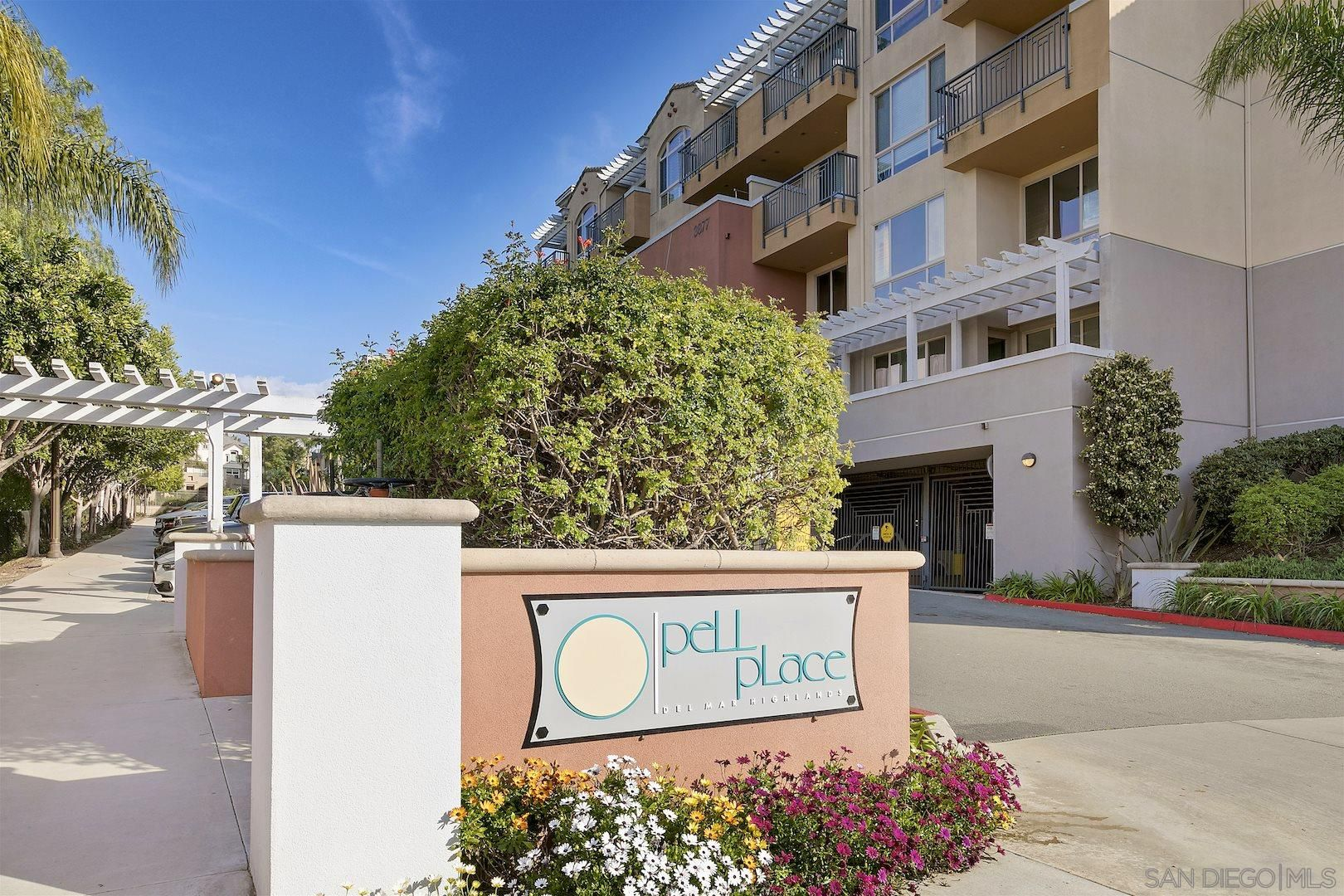 Main Photo: CARMEL VALLEY Condo for sale : 1 bedrooms : 3877 Pell Pl #417 in San Diego