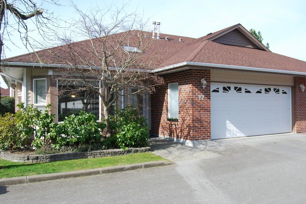 Main Photo: 22 18939 65th Avenue in Cloverdale: Townhouse for sale