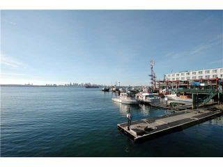 "Photo 10: 415 147 E 1ST Street in North Vancouver: Lower Lonsdale Condo for sale in ""CORONADO"" : MLS®# V980057"
