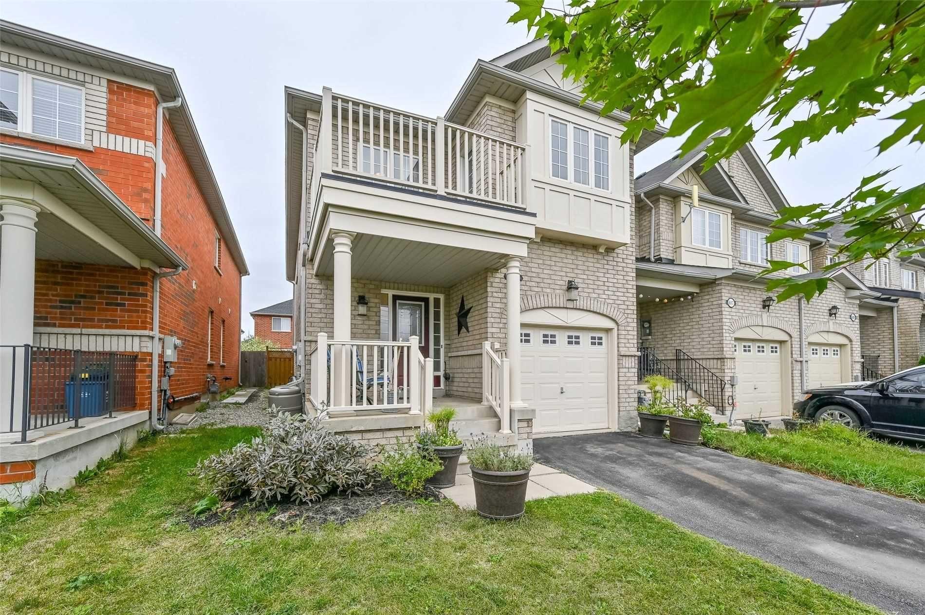 Main Photo: 605 Willmott Crescent in Milton: Clarke House (2-Storey) for sale : MLS®# W4578121