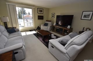 Photo 3: 38 315 East Place in Saskatoon: Eastview SA Residential for sale : MLS®# SK845736