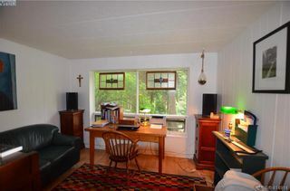Photo 5: 131 2500 Florence Lake Rd in VICTORIA: La Florence Lake Manufactured Home for sale (Langford)  : MLS®# 822976