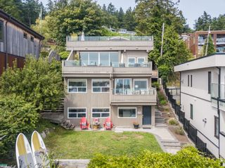 """Photo 35: 14616 WEST BEACH Avenue: White Rock House for sale in """"WHITE ROCK"""" (South Surrey White Rock)  : MLS®# R2408547"""