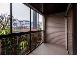 """Photo 13: 109 32910 AMICUS Place in Abbotsford: Central Abbotsford Condo for sale in """"Royal Oaks"""" : MLS®# R2256769"""