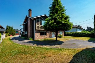 Photo 2: 671 BLUE MOUNTAIN Street in Coquitlam: Central Coquitlam House for sale : MLS®# R2598750