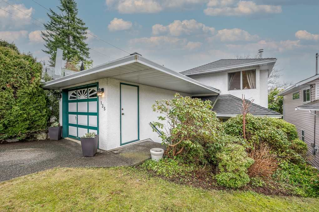 Main Photo: 135 W ROCKLAND ROAD in North Vancouver: Upper Lonsdale House for sale : MLS®# R2527443