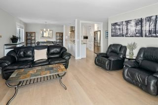 Photo 8: 10404 Resthaven Dr in : Si Sidney North-East Half Duplex for sale (Sidney)  : MLS®# 874573