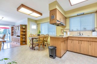 Photo 8: 8025 BORDEN Street in Vancouver: Fraserview VE House for sale (Vancouver East)  : MLS®# R2598430