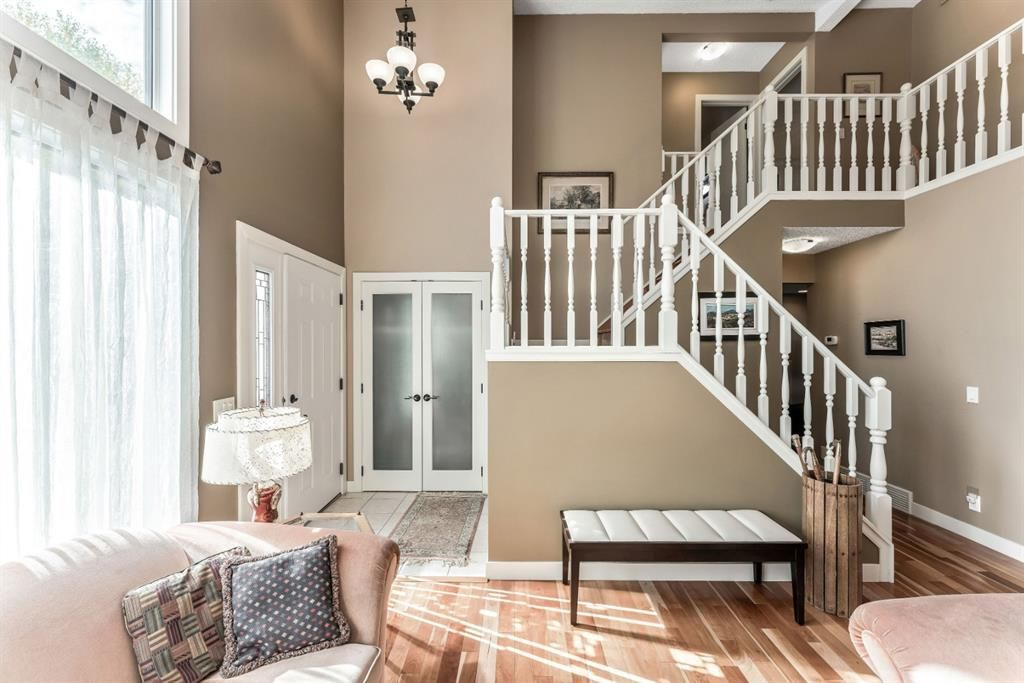 Photo 10: Photos: 84 WOODBROOK Close SW in Calgary: Woodbine Detached for sale : MLS®# A1037845