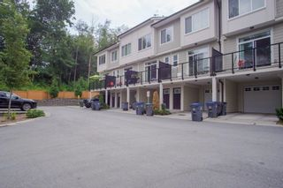 Photo 2: 30 13670 62 Avenue in Surrey: Sullivan Station Townhouse for sale : MLS®# R2611039