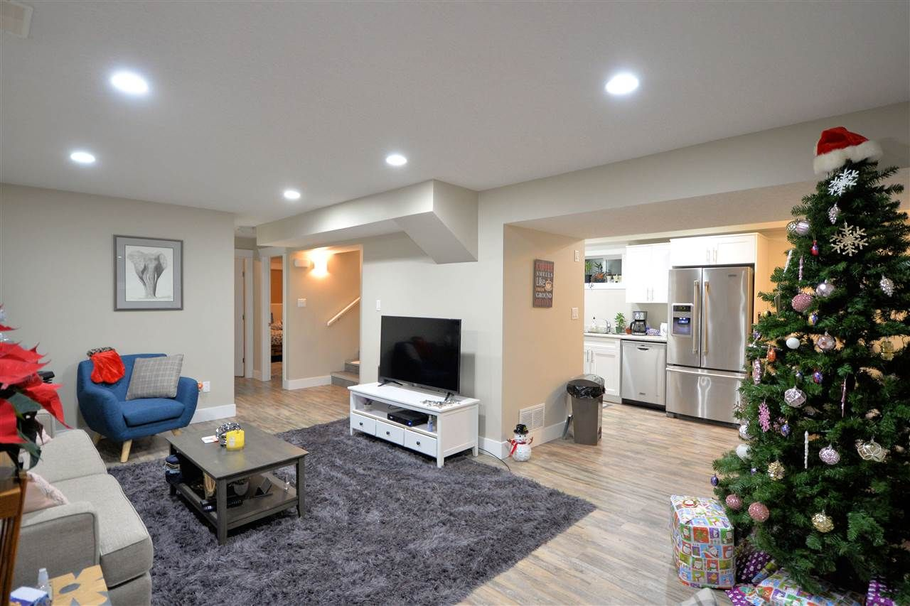"""Photo 9: Photos: 902 JOHNSON Street in Prince George: Central House for sale in """"Central"""" (PG City Central (Zone 72))  : MLS®# R2523985"""