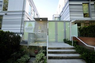 """Photo 1: 2 1411 E 1ST Avenue in Vancouver: Grandview VE Townhouse for sale in """"GRANDVIEW CASCADES"""" (Vancouver East)  : MLS®# R2168722"""