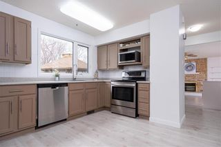 Photo 9: 47 Salisbury Crescent in Winnipeg: Waverley Heights Residential for sale (1L)  : MLS®# 202110538