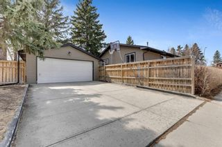 Photo 3: 91 Bennett Crescent NW in Calgary: Brentwood Detached for sale : MLS®# A1100618