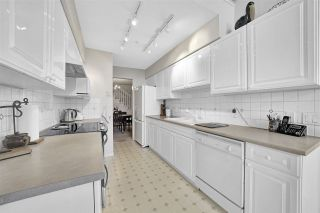 """Photo 11: 302 1144 STRATHAVEN Drive in North Vancouver: Northlands Condo for sale in """"Strathaven"""" : MLS®# R2464031"""