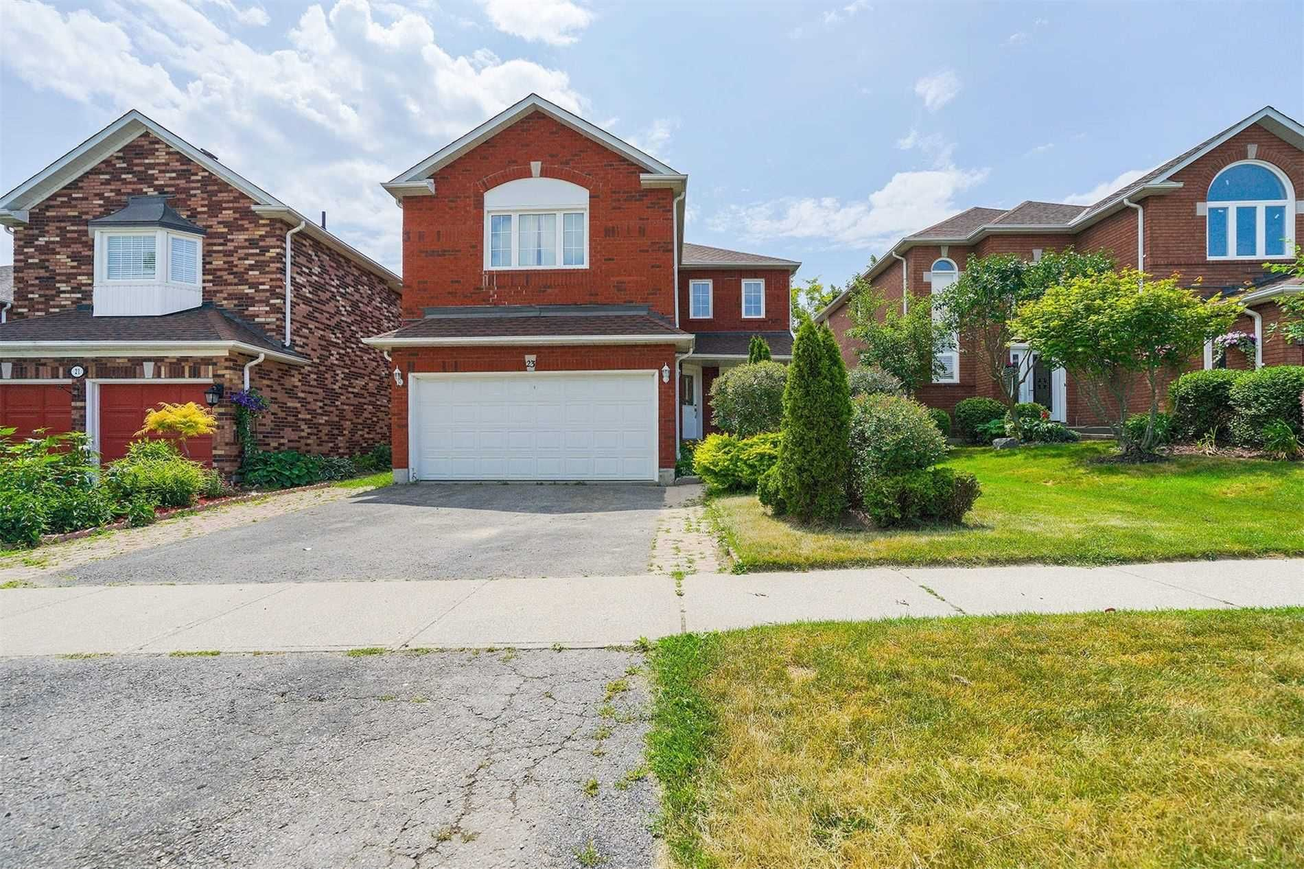 Main Photo: 23 W Kerrison Drive in Ajax: Central House (2-Storey) for sale : MLS®# E5089062