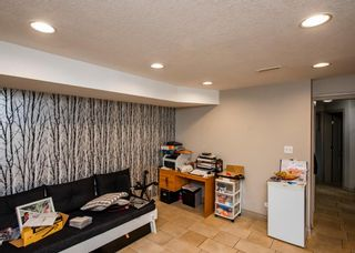 Photo 16: 3712A 41 Street SW in Calgary: Glenbrook Semi Detached for sale : MLS®# A1100932