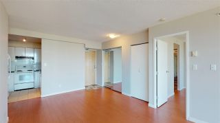 """Photo 11: 1806 6088 WILLINGDON Avenue in Burnaby: Metrotown Condo for sale in """"CRYSTAL RESUDENCE"""" (Burnaby South)  : MLS®# R2363780"""