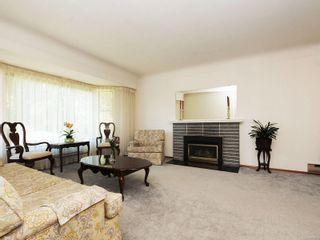 Photo 2: 3807 Merriman Dr in : SE Cedar Hill House for sale (Saanich East)  : MLS®# 854201