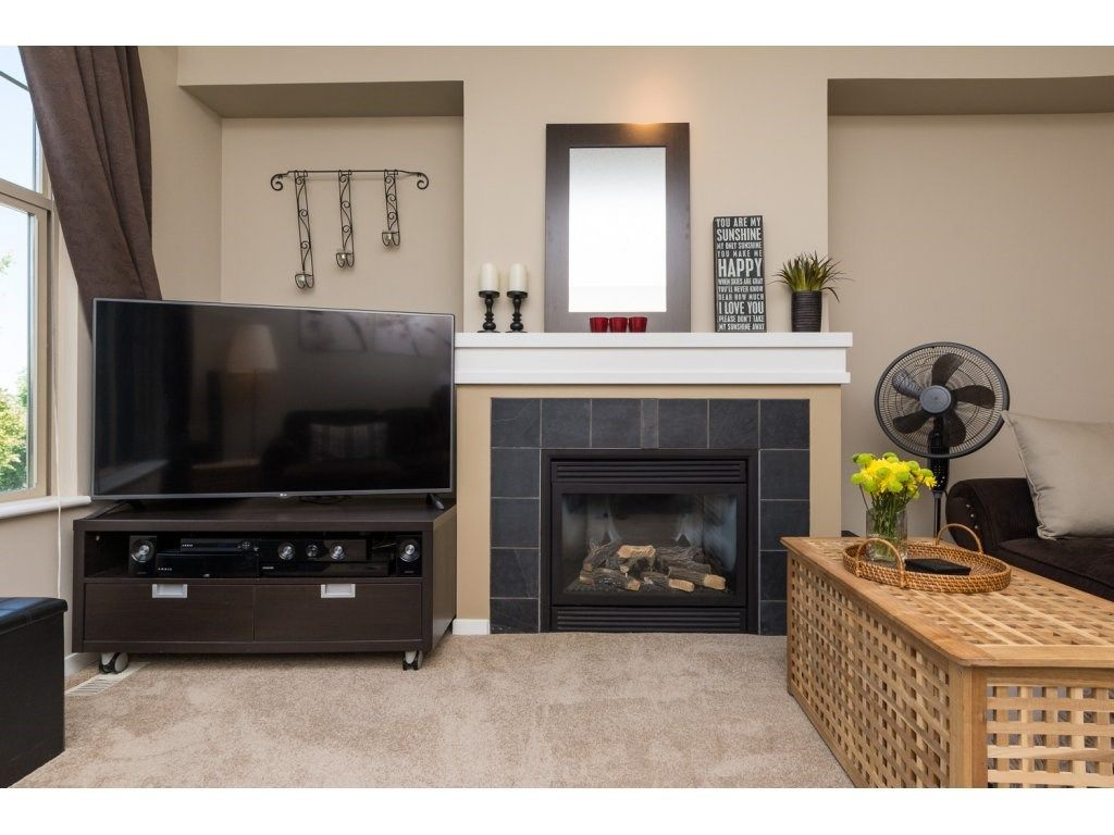 """Photo 3: Photos: 119 15152 62A Avenue in Surrey: Sullivan Station Townhouse for sale in """"UPLANDS"""" : MLS®# R2095709"""
