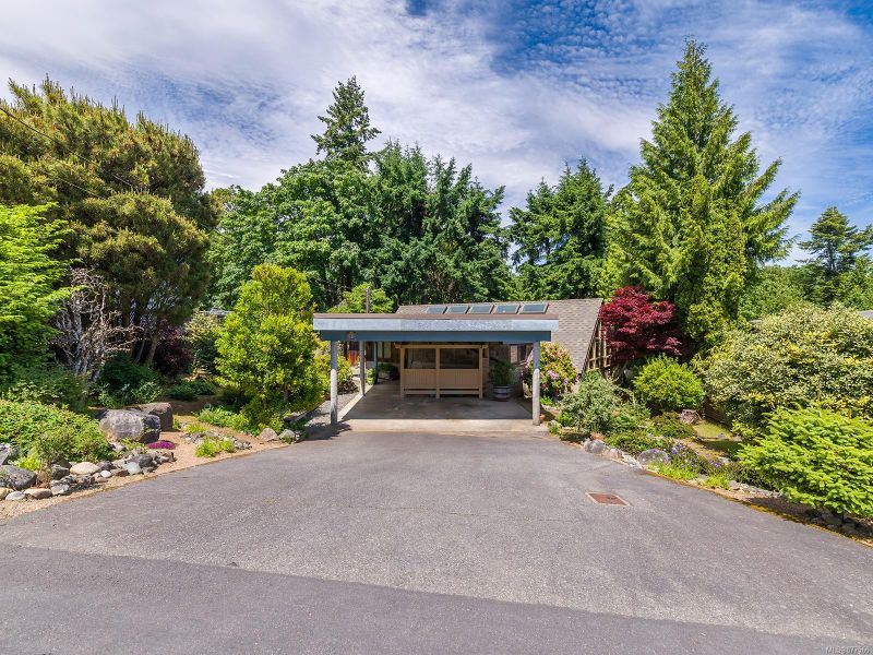 FEATURED LISTING: 924 Beach Dr