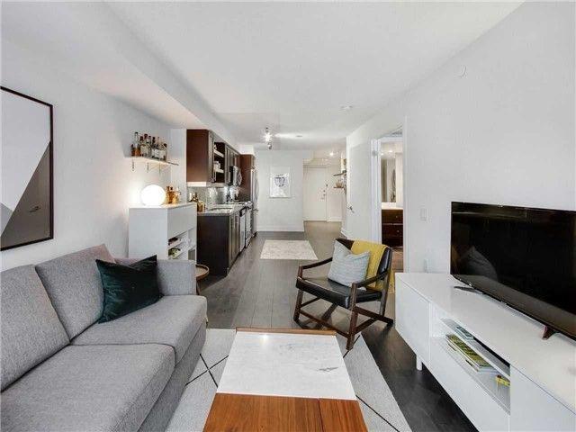 Photo 3: Photos: 321 525 W Adelaide Street in Toronto: Waterfront Communities C1 Condo for sale (Toronto C01)  : MLS®# C4301746