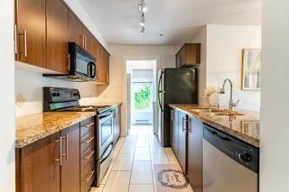 """Photo 10: 302 3240 ST JOHNS Street in Port Moody: Port Moody Centre Condo for sale in """"THE SQUARE"""" : MLS®# R2577268"""