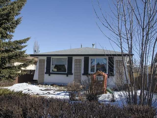 Main Photo: 8044 HUNTINGTON Road NE in CALGARY: Huntington Hills Residential Detached Single Family for sale (Calgary)  : MLS®# C3602014