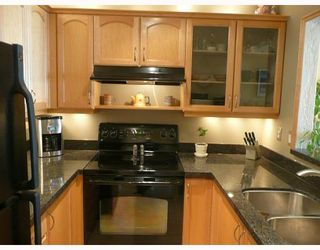 """Photo 8: 203 910 W 8TH Avenue in Vancouver: Fairview VW Condo for sale in """"THE RHAPSODY"""" (Vancouver West)  : MLS®# V765056"""