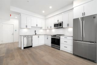 """Photo 2: SL11 37830 THIRD Avenue in Squamish: Downtown SQ Townhouse for sale in """"Lizzy Bay"""" : MLS®# R2536591"""