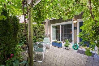 """Photo 2: 22 5605 HAMPTON Place in Vancouver: University VW Townhouse for sale in """"THE PEMBERLEY"""" (Vancouver West)  : MLS®# R2121869"""