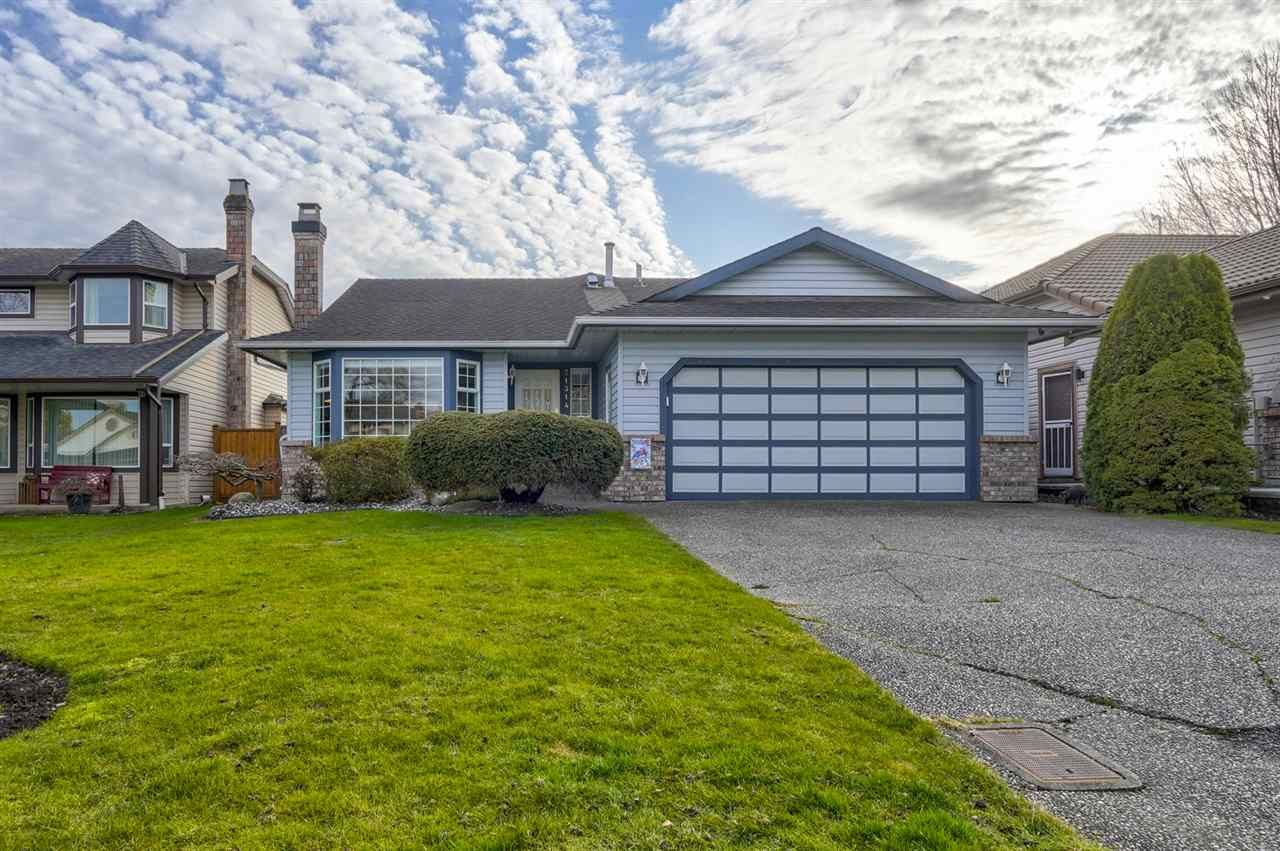 """Main Photo: 21314 86A Crescent in Langley: Walnut Grove House for sale in """"Forest Hills"""" : MLS®# R2543624"""