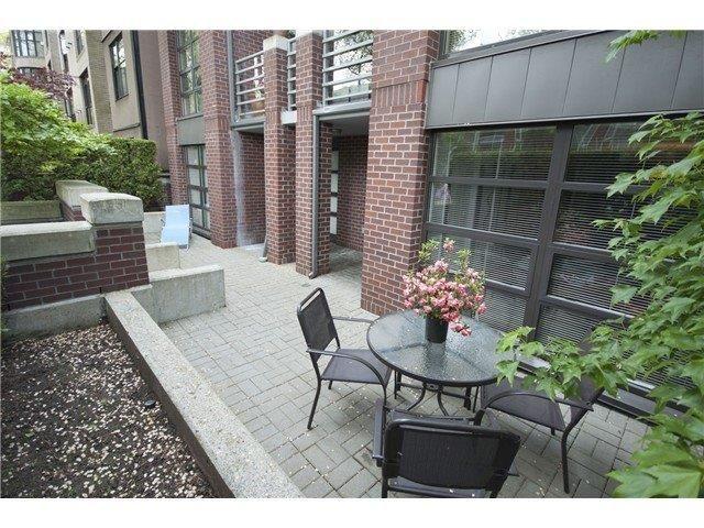 Main Photo: 101 2137 W 10th Avenue in Vancouver: Kitsilano Condo for sale (Vancouver West)  : MLS®# V997500