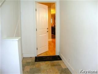 Photo 3: 641 Bannatyne Avenue in Winnipeg: Central Residential for sale (9A)  : MLS®# 1807698