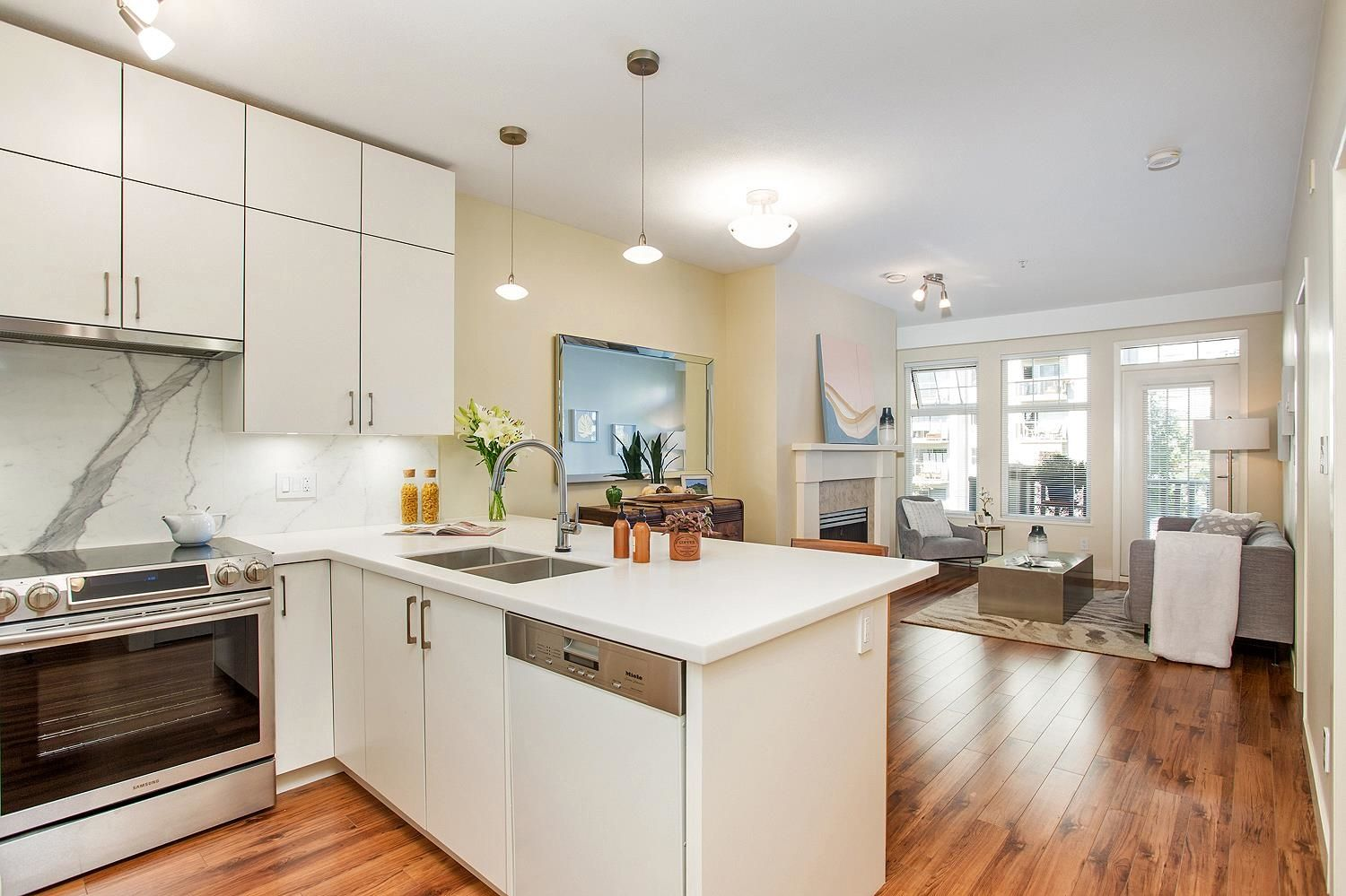 """Main Photo: 310 1388 NELSON Street in Vancouver: West End VW Condo for sale in """"Andaluca"""" (Vancouver West)  : MLS®# R2616916"""