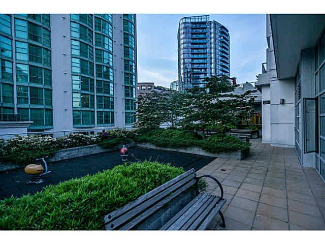 """Photo 17: Photos: 1808 821 CAMBIE Street in Vancouver: Downtown VW Condo for sale in """"RAFFLES ON ROBSON"""" (Vancouver West)  : MLS®# V1125986"""