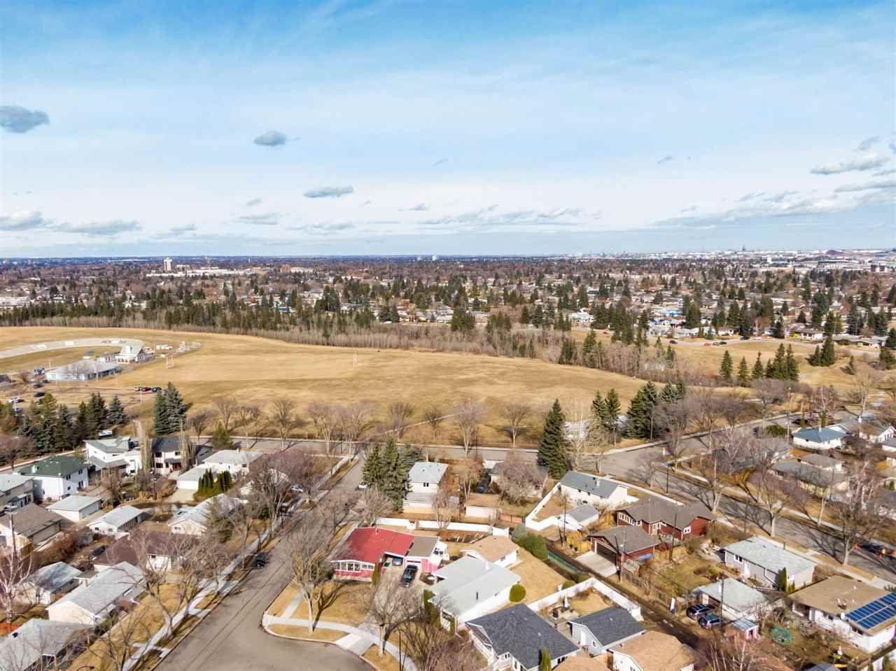 Main Photo: 6812 86 Street in Edmonton: Zone 17 House for sale : MLS®# E4235285