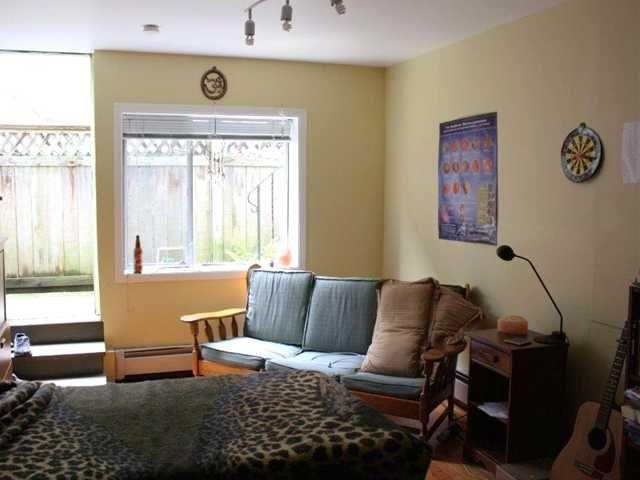 Photo 9: Photos: 92 GLOVER AV in : GlenBrooke North House for sale : MLS®# V955969