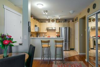 """Photo 7: 322 332 LONSDALE Avenue in North Vancouver: Lower Lonsdale Condo for sale in """"CALYPSO"""" : MLS®# R2275459"""