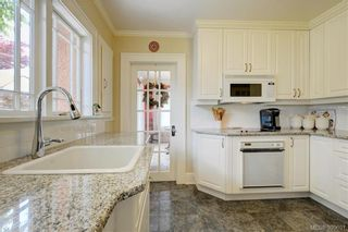 Photo 8: 1007 St. Louis St in VICTORIA: OB South Oak Bay House for sale (Oak Bay)  : MLS®# 797485
