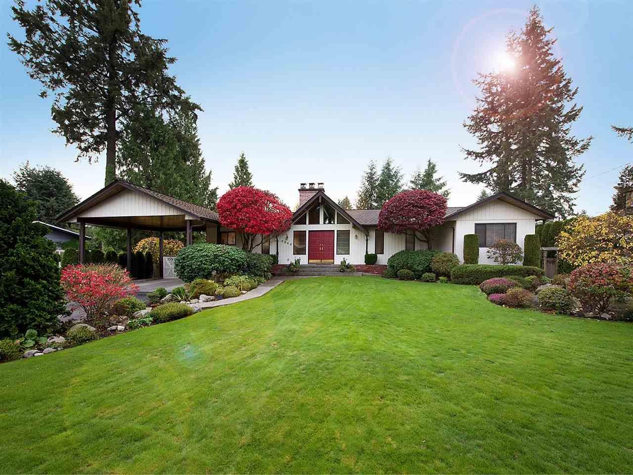 "Main Photo: 6545 HILLSIDE Crescent in Delta: Sunshine Hills Woods House for sale in ""Sunshine Hills"" (N. Delta)  : MLS®# R2042303"