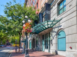 """Photo 2: 403 55 ALEXANDER Street in Vancouver: Downtown VE Condo for sale in """"55 Alexander"""" (Vancouver East)  : MLS®# R2614776"""