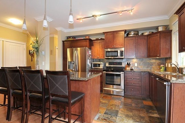 Main Photo: 118 12258 224 STREET in Maple Ridge: East Central Condo for sale ()  : MLS®# R2138523