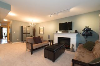 """Photo 2: 24 6555 192A Street in Surrey: Clayton Townhouse for sale in """"THE CARLISLE"""" (Cloverdale)  : MLS®# R2030709"""