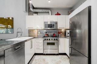 Photo 5: 306 27 ALEXANDER Street in Vancouver: Downtown VE Condo for sale (Vancouver East)  : MLS®# R2527817