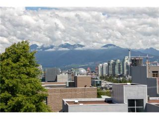 """Photo 11: 405 2520 MANITOBA Street in Vancouver: Mount Pleasant VW Condo for sale in """"VUE"""" (Vancouver West)  : MLS®# V1028189"""