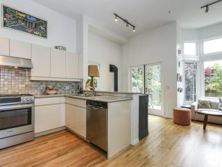 Photo 8: 2626 W 2ND Avenue in Vancouver: Kitsilano 1/2 Duplex for sale (Vancouver West)  : MLS®# R2377448